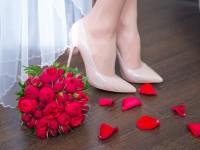 bride wearing comfortable wedding shoes