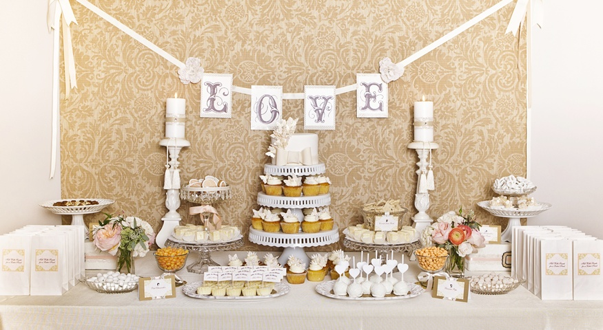 wedding table candy bar