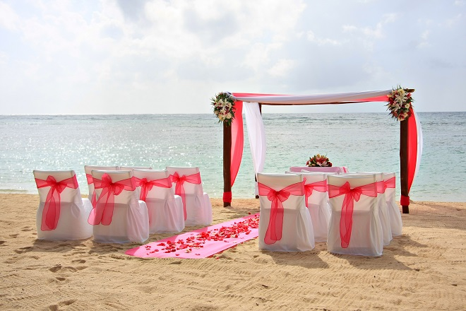 Pink Wedding Decor for Beach Style
