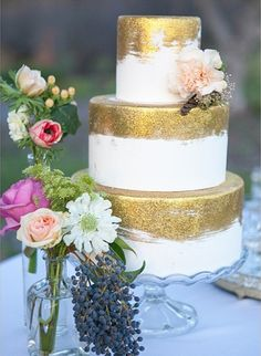 glitter gold wedding cake idea