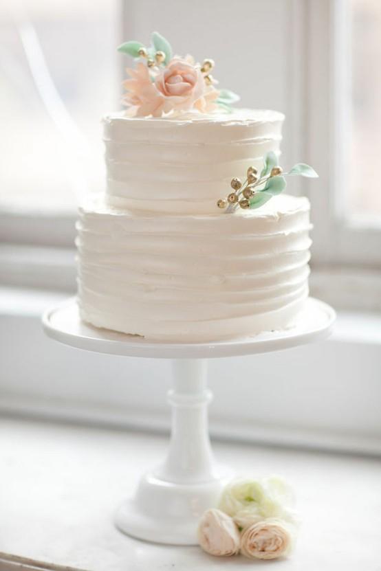 simple textured wedding cake