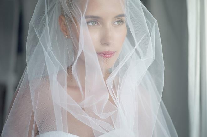 bride with natural makeup wedding trend 2015