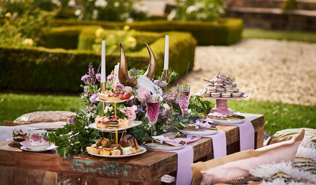 outdoor-dining-setting