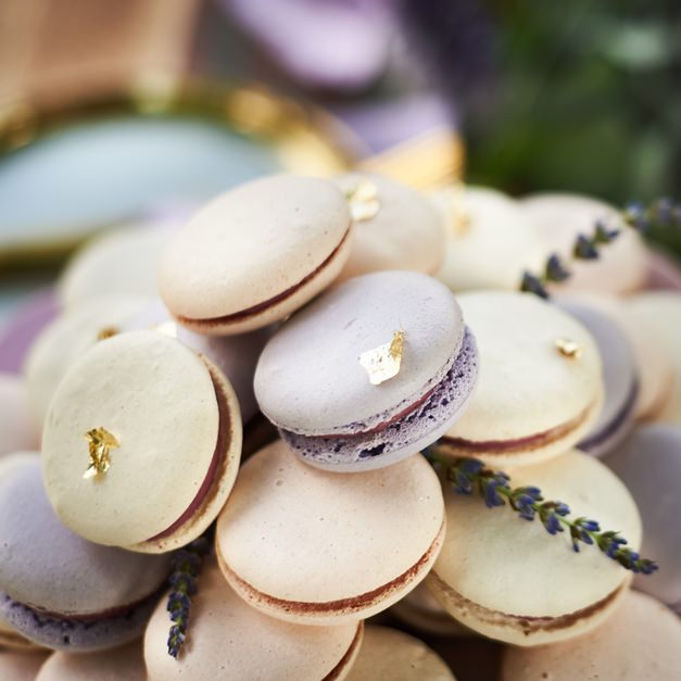 gold-flaked-macaroons