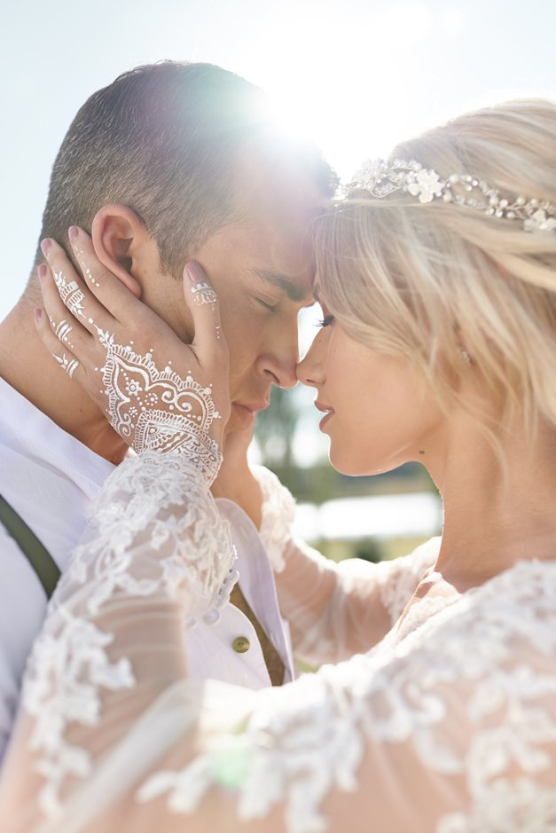 couple-embrace-wedding